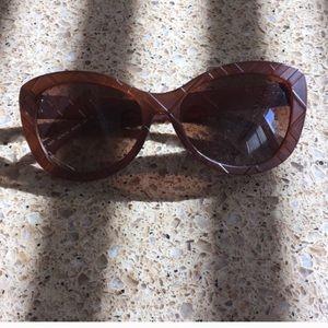 Accessories - EUC Burberry sunglasses